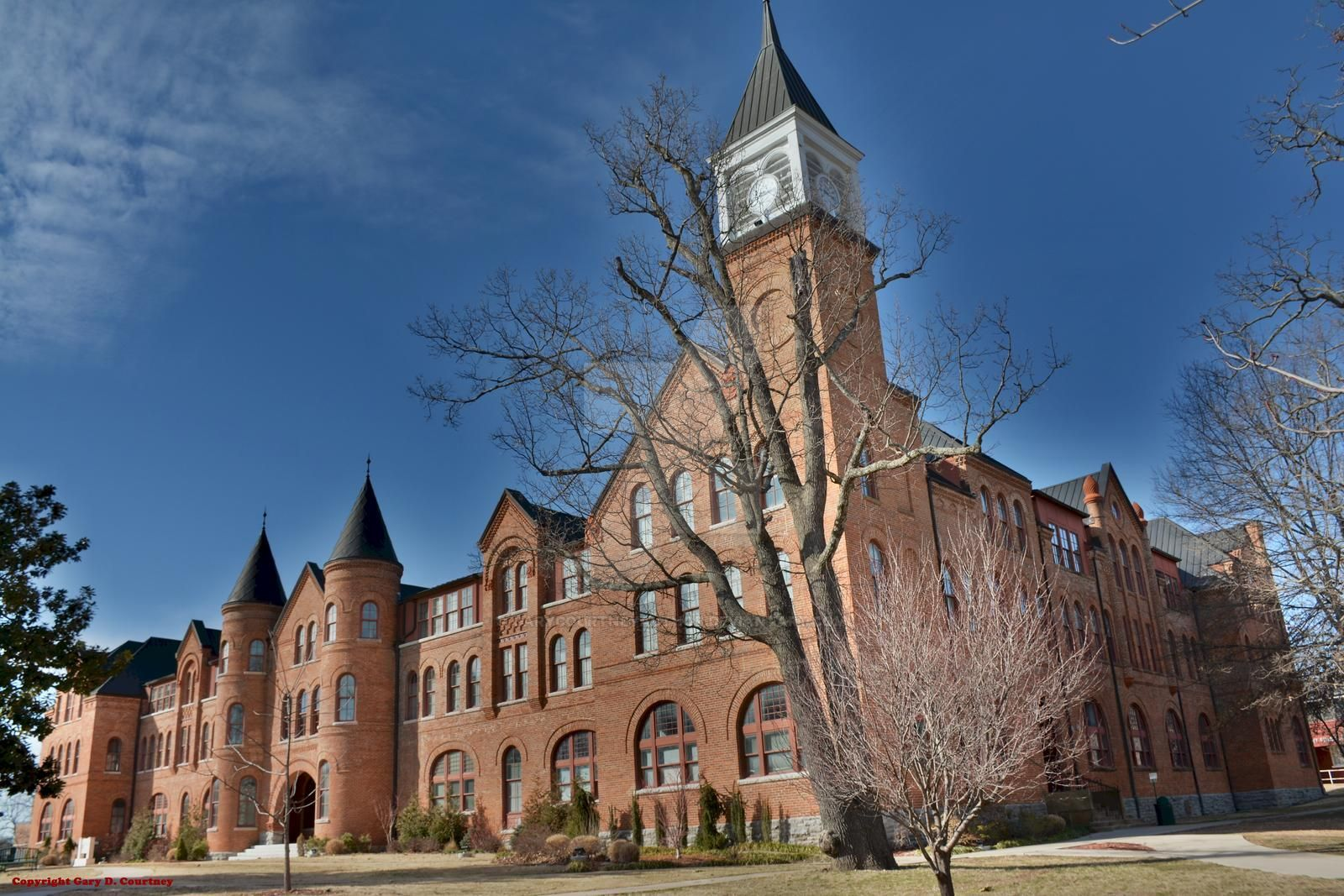 seminary_hall__at_northeastern_state_university_by_garycourtneyauthor_d9vxxxq-fullview.jpg